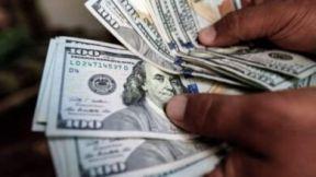 إنفلات الدولار في السوق الموازي .. تعرف على السعر