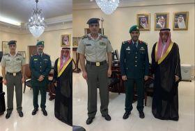 نائب السفير السعودي يقلد ضباط سعوديين رتبهم الجديدة