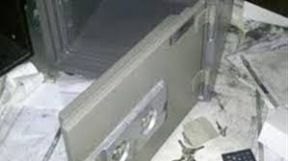 الشرطة تفك طلاسم سرقة خزنة محل تجاري بالخرطوم
