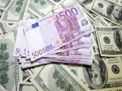 الدولار يتخطى حاجز (٣٤٥) جنيه ويواصل الارتفاع