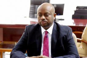 وزير الاتصالات والتحول الرقمي يتسلم مهامه