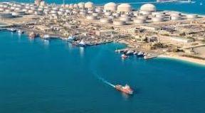 السعودية: استهداف ميناء رأس تنورة تخريب لأمن الطاقة العالمي