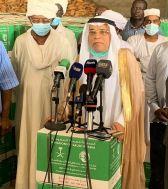 السفير السعودي يدشن توزيع اكثر من ١٣ الف سلة رمضانية