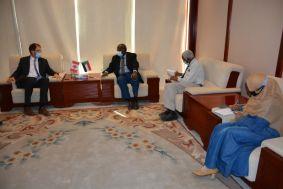 كندا تدرس إمكانية التعاون في مجال صناعة البترول في السودان
