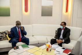وزير المالية يبحث دعم المشاريع الصغيرة والمتوسطة مع رئيس بنك التنمية الافريقي