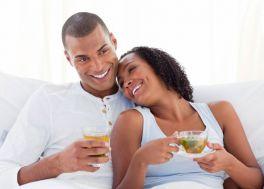 المشروبات الساخنة ترطب الجسم وقت الحر أكثر من المشروبات الباردة