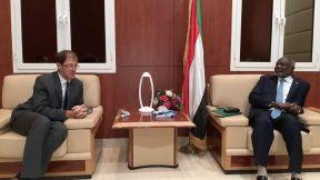 شركات كندية تبدي رغبتها في الاستثمار في السودان في مجالات النفط والتعدين