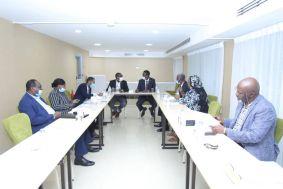 وفد الحكومة التفاوضي يبحث مسودة الاتفاق الإطاري المقدم من الحركة الشعبية لتحرير السودان شمال