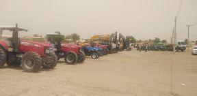 والي نهر النيل تدشن آليات زراعية جديدة