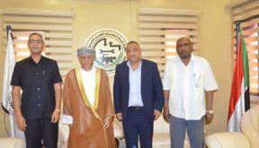 لقاء بين رئيس اتحاد أصحاب العمل وسفير سلطنة عمان