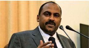 عضو مجلس السيادة محمد الفكي يلتقي قيادات وزارة الداخلية ورئاسة قوات الشرطة