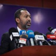 وزير شؤون مجلس الوزراء يشدد على الإسراع بتكملة التمويل لجلب الأدوية المنقذة للحياة