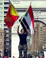 مواطنو التقراي يرفعون الأعلام السودانية في عاصمة الإقليم