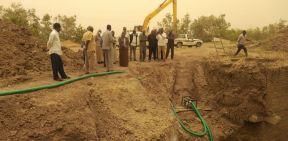 والي نهر النيل تتعهد بوضع حلول جذرية لمشكلة المياه