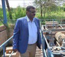 والي الخرطوم يراقب ميدانيا أعمال النظافة والمصارف بشرق النيل
