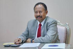 حمدوك يلتقي لجنة تقييم تجربة الولاة التابعة للمجلس المركزي